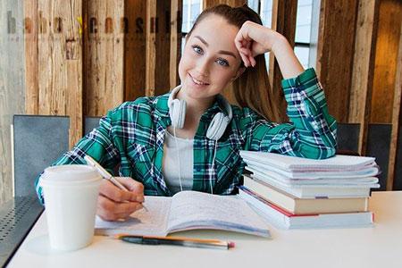 Schüler und Studenten im Ausland gut versichern mit Hahn Consult
